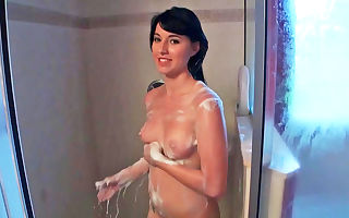 Sexy chick cleans her hot figure up so she could get dirty again