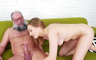 Young hoes enjoys to deepthroat and ride stiff cock of old paramour