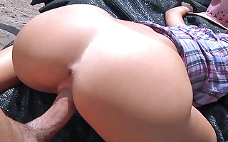Tina Hot in Unexperienced Cowgirl Fucks For Cash - PublicPickups